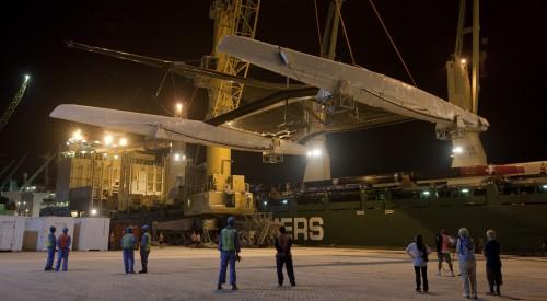 Alinghi coming off the cargo ship in Ras al Khaimah