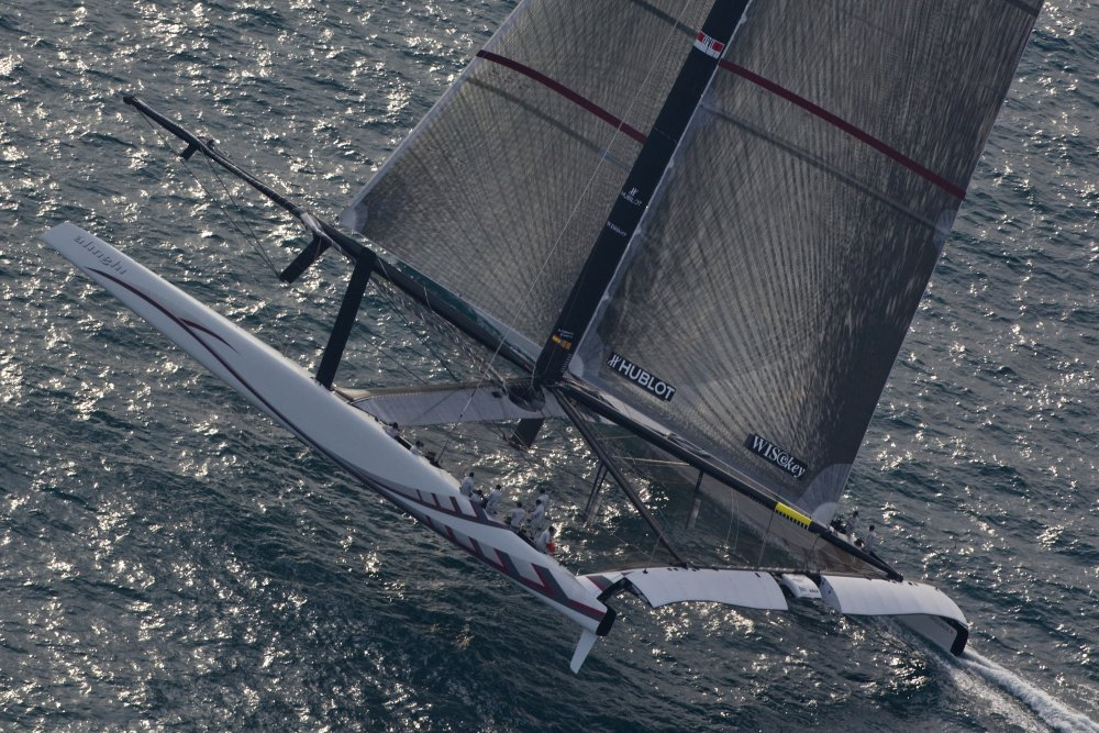 Alinghi showing better upwind speed (c) Guido Trombetta / Alinghi