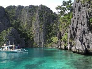 Access to Kayangan Lake